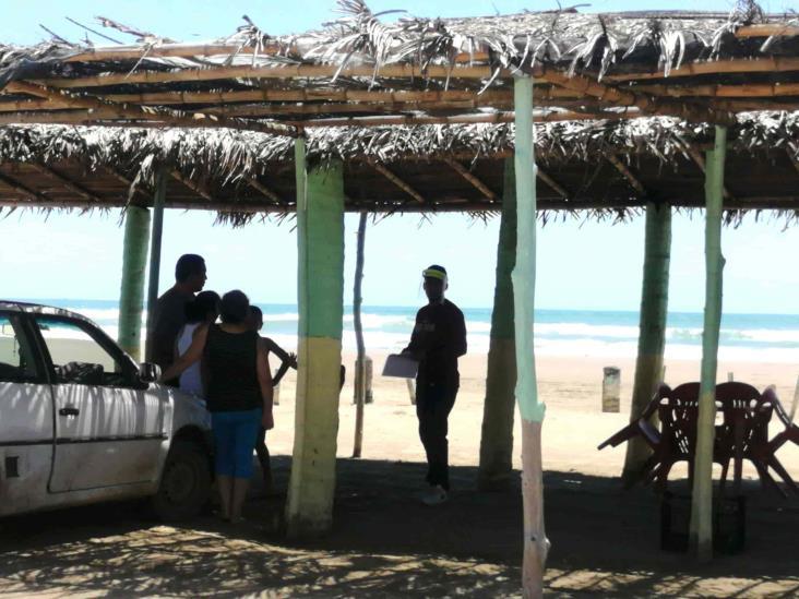 Abren playas tuxpeñas; condicionan el acceso de bañistas