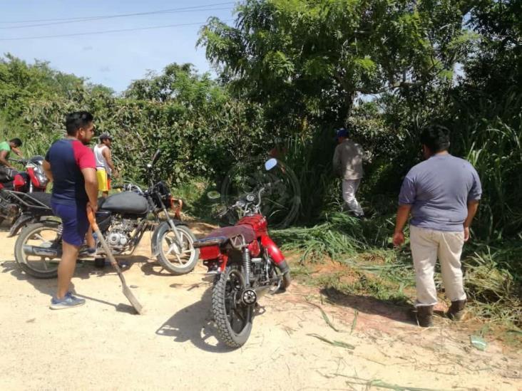 Pobladores de Ixhuatlán rehabilitan el tramo Nanchital-Paso Nuevo