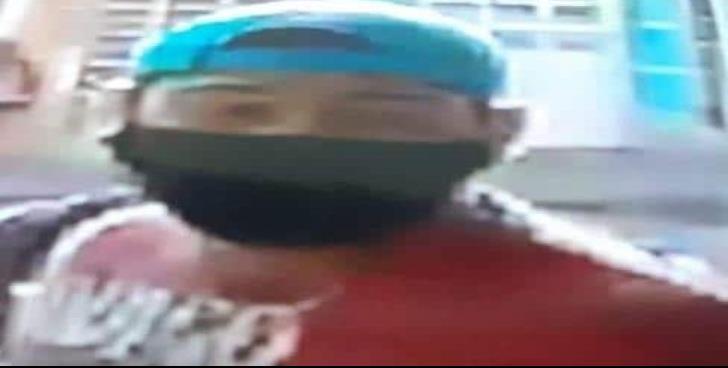 Tres sujetos armados asaltan Farmacia Guadalajara en Veracruz