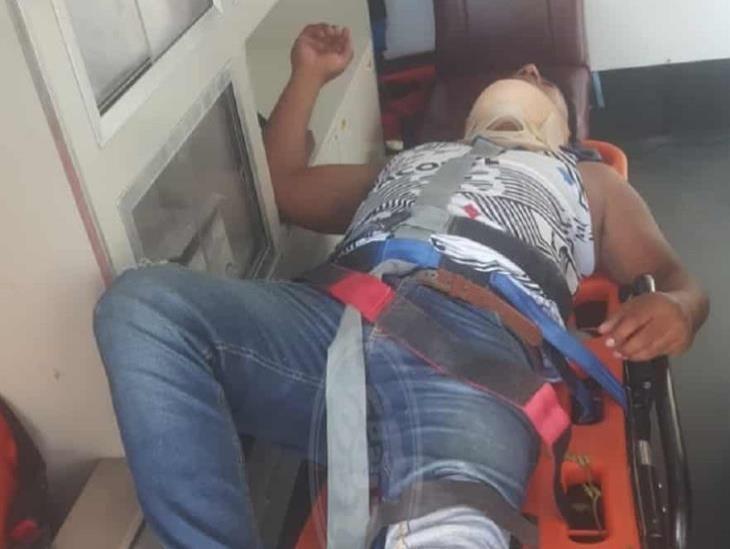 Encargado de rancho sufre accidente de motocicleta en Sayula