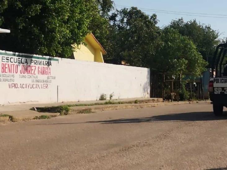 En escuela de Acayucan, colocan amenaza contra delincuentes