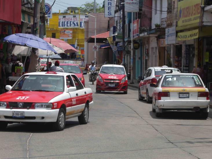 Aguadulceños no se suben con taxistas que no usen cubrebocas