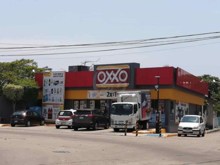 En menos de 24 horas, asaltan 4 tiendas de conveniencia en Coatzacoalcos