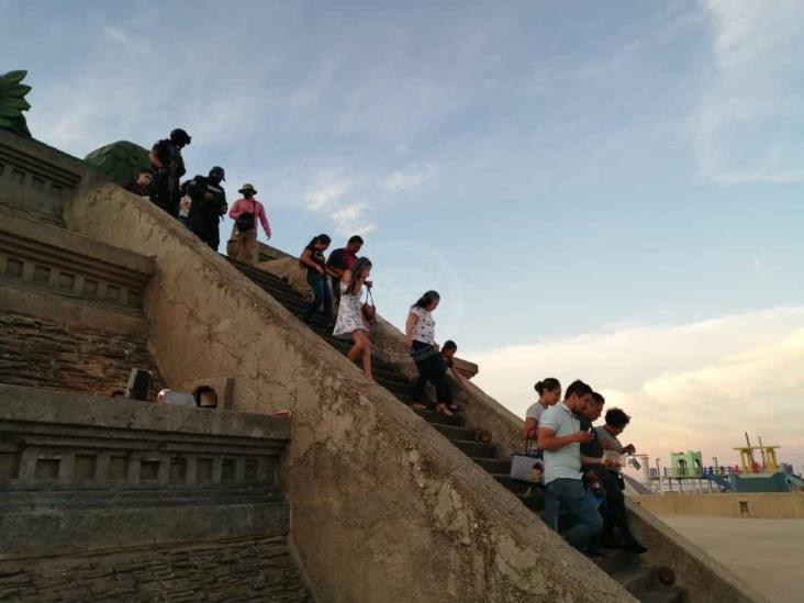 Se siguen aglomerando en espacios públicos de Coatzacoalcos