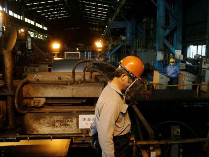 Producción industrial en México se desploma 14.1 por ciento