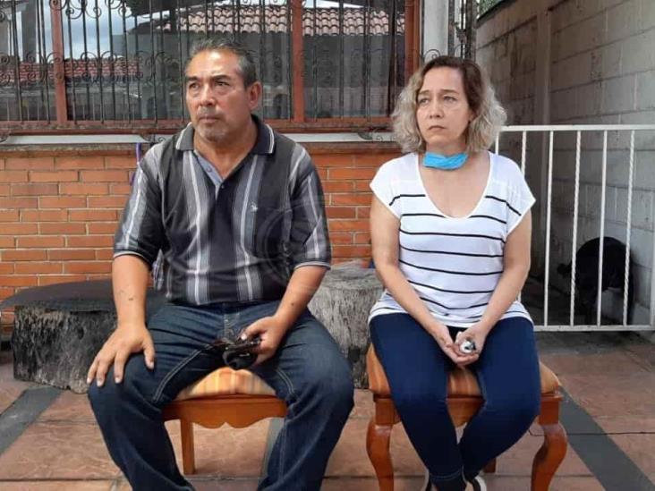 Desesperados, padres de Valeria ruegan por su regreso