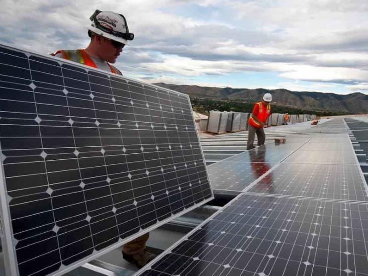 Juez frena la política de Sener contra renovables