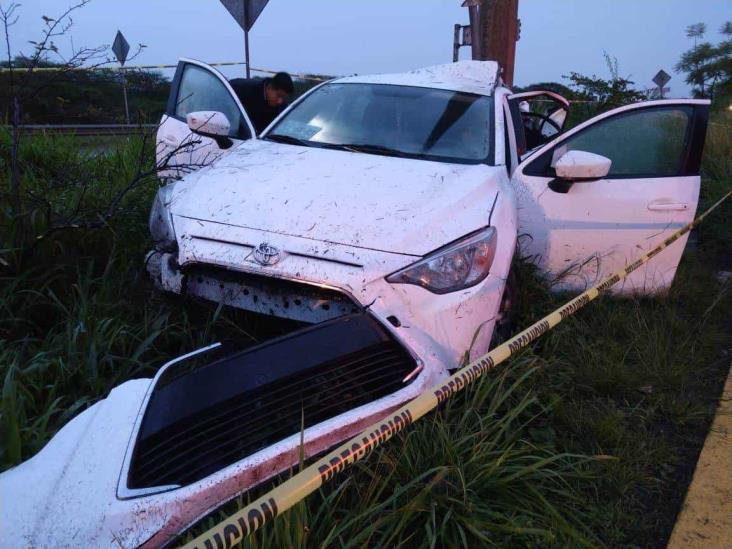 Fallece conductor al chocar con poste en carretera Veracruz Xalapa