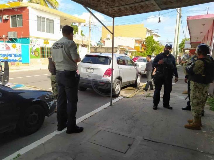 Roban camioneta particular a elemento de la Guardia Nacional en Boca del Río