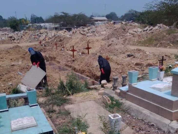 Contabilizaban 28 inhumaciones por Coronavirus en panteón de Minatitlán