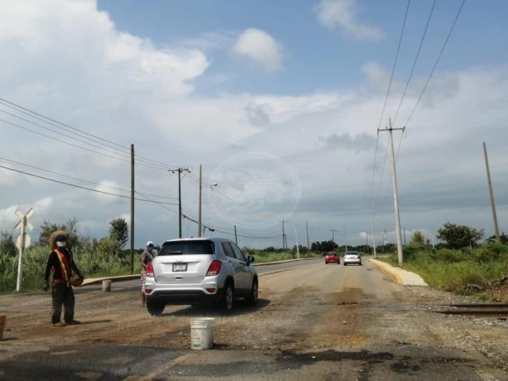 Se desbarata la carretera 4 carriles a 6 meses de entrega