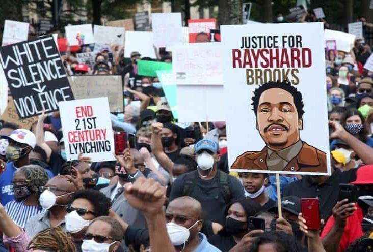 Marchan en Atlanta contra el racismo