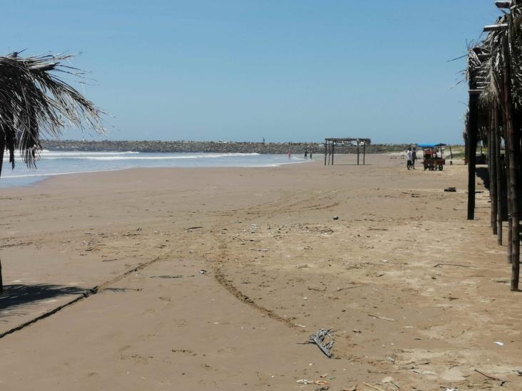 Apertura de playas en Tuxpan no contribuye a reactivación económica, señalan