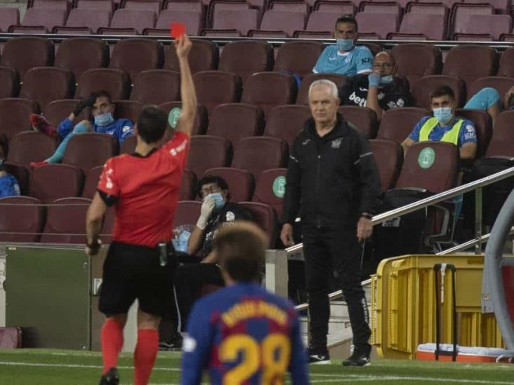 Expulsan a Aguirre ´por imitar sonido del silbato´ ante Barça