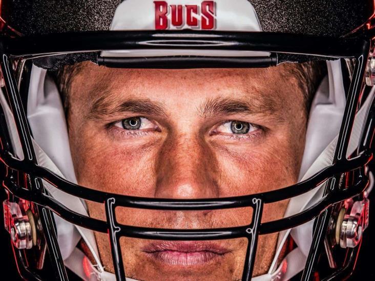 Buccaneers revela primeras fotos de Tom Brady en uniforme