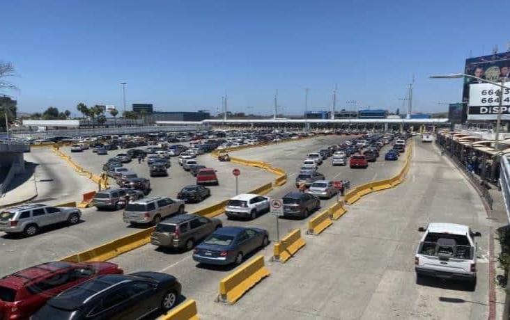 México y EUA extienden restricciones de viajes no esenciales por 30 días