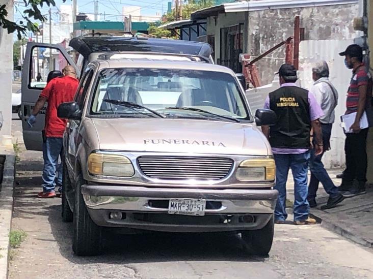 Hallan cuerpo de hombre en estado de putrefacción en colonia de Veracruz