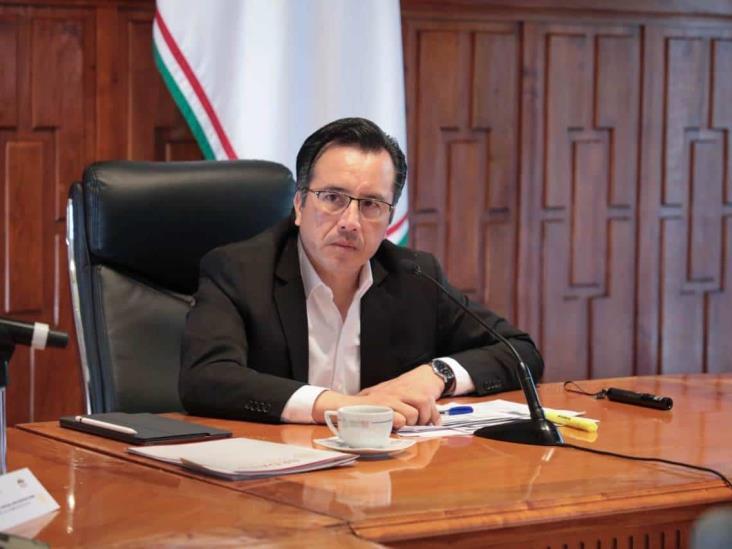 275 mil jóvenes beneficiados con becas Benito Juárez en Veracruz