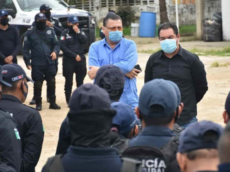 Atiende Ayuntamiento solicitudes de elementos policiacos