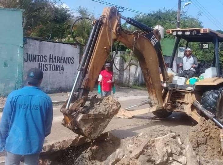 En Moloacán, limpian sistema de drenaje para evitar inundaciones
