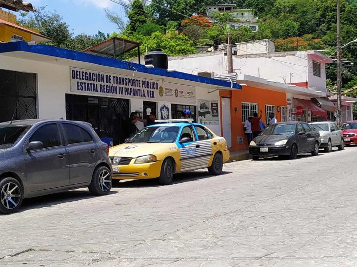 33 sitios de taxis que operan en Papantla son ilegales
