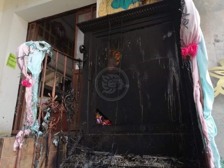 Incendian altar a la virgen ubicado en mercado San José de Xalapa