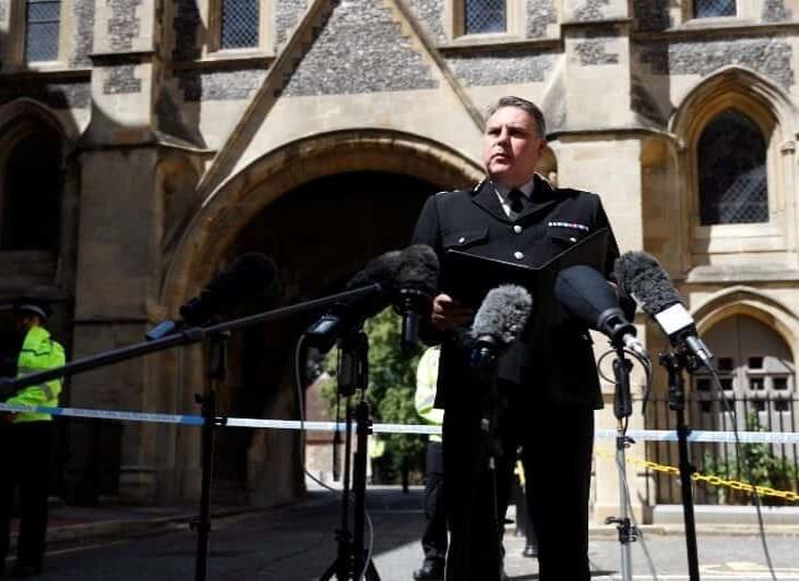 """""""Terrorista"""", ataque con cuchillo que dejó tres muertos en Reino Unido: Policía"""