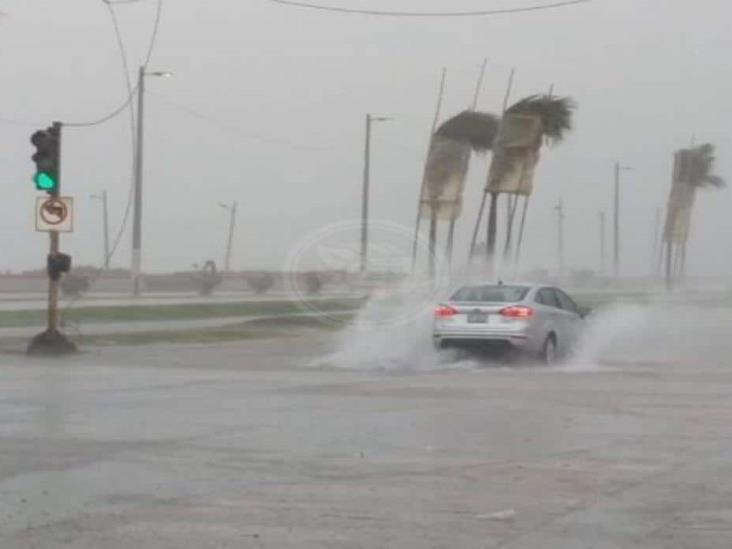 Protección Civil de Veracruz alerta por temporal lluvioso