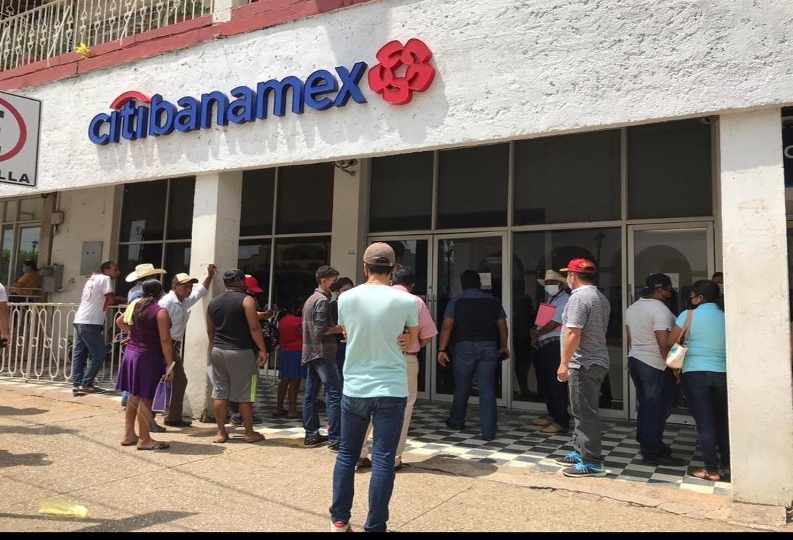 Suspenden servicios Banamex en Acayucan y San Andrés Tuxtla