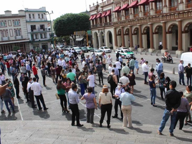 Reportan daños en hospitales, iglesias y oficinas en Veracruz tras sismo