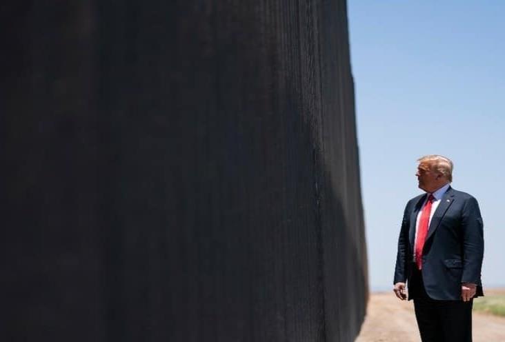 """El muro frenó el Covid, lo frenó todo"""", dice Trump"""