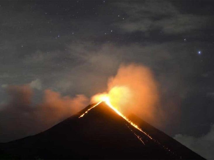 Alerta en Guatemala por fuerte actividad en 3 volcanes
