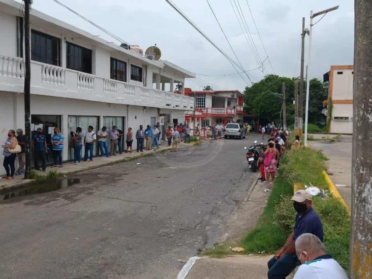 Nanchitecos piden otra sucursal bancaria y más cajeros
