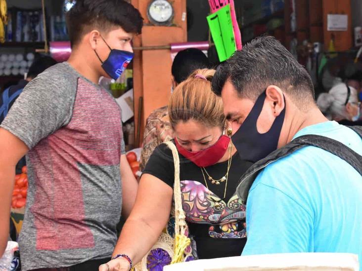 Veracruzanos desafían al Semáforo Rojo; cuarto lugar en contagios