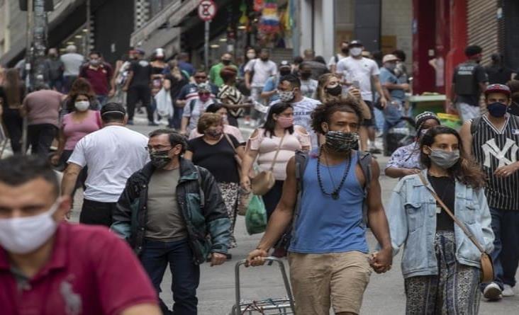 Escalan contagios y muertes por coronavirus en Brasil