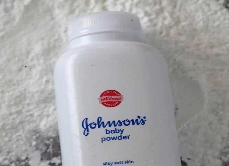 Multan a Johnson & Johnson por talco que provoca cáncer de ovario