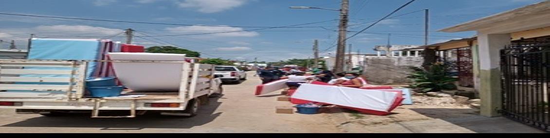 Entregan apoyos a familias damnificadas por desbordamiento del río Agua Dulce