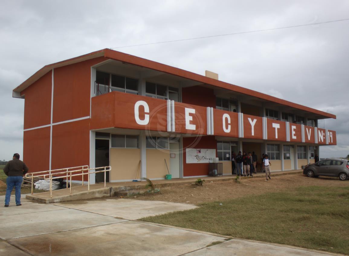 Van 40 aspirantes registrados al Cecytev plantel Ciudad Olmeca