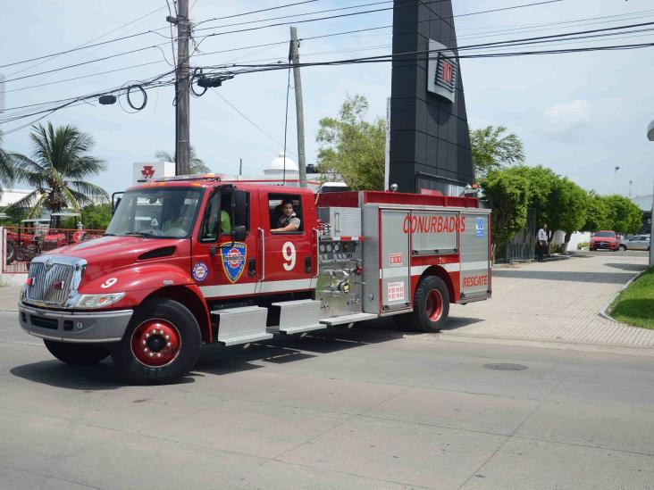 Se registra conato de incendio en el interior de la agencia de vehículos de Veracruz