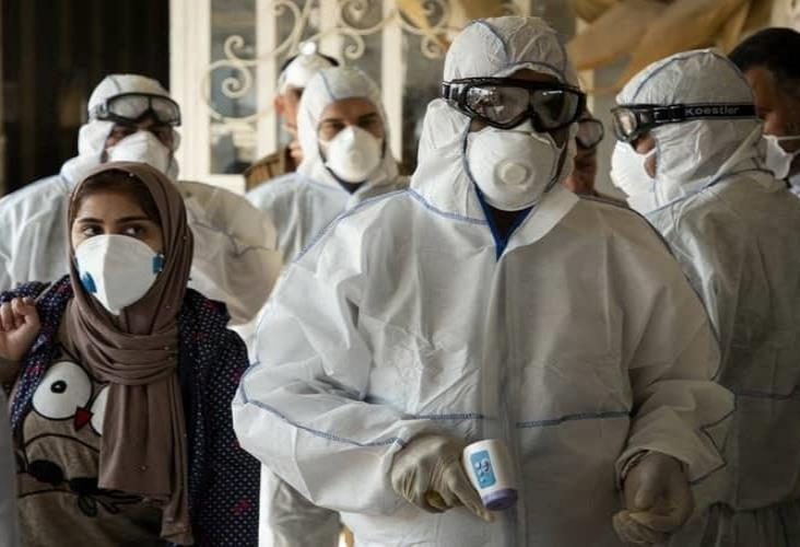 Muertes por coronavirus superan las 10 mil en Irán