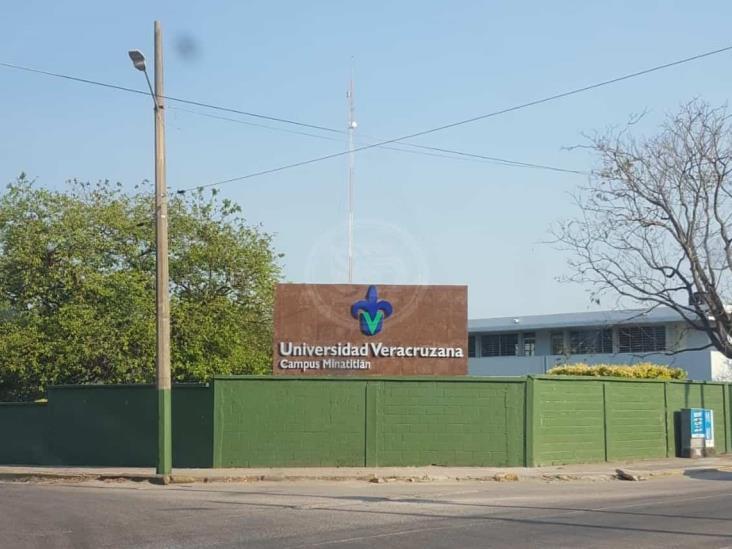 Piden destituir a director de la facultad de Medicina en UV-Minatitlán