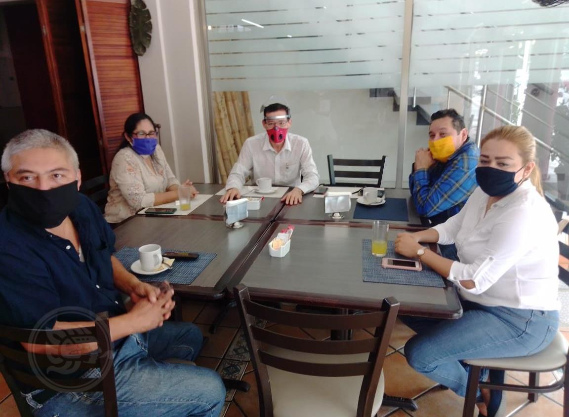 Se reunieron representantes locales de partidos políticos en Minatitlán