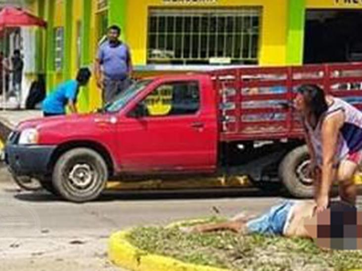 Tras ser atropellada, mujer lucha por su vida en un hospital de Cosoleacaque