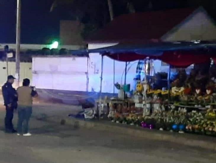 Asesinan a vendedora de flores a un costado de Hospital de Minatitlán