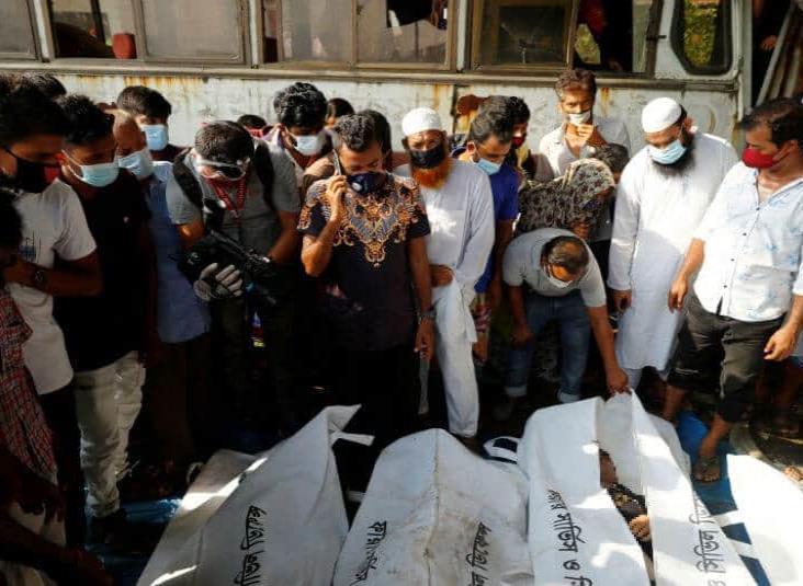 Al menos 30 muertos en Bangladés en un accidente de transbordador