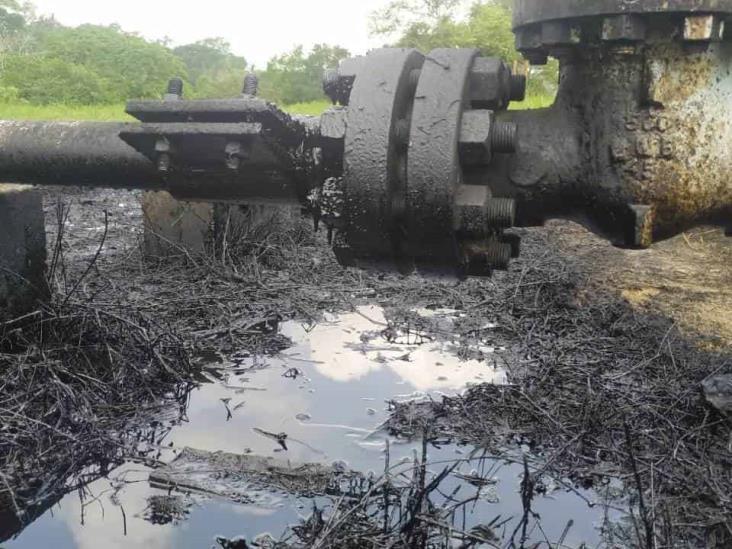 Pobladores reportan nueva fuga de hidrocarburo en Coatzintla