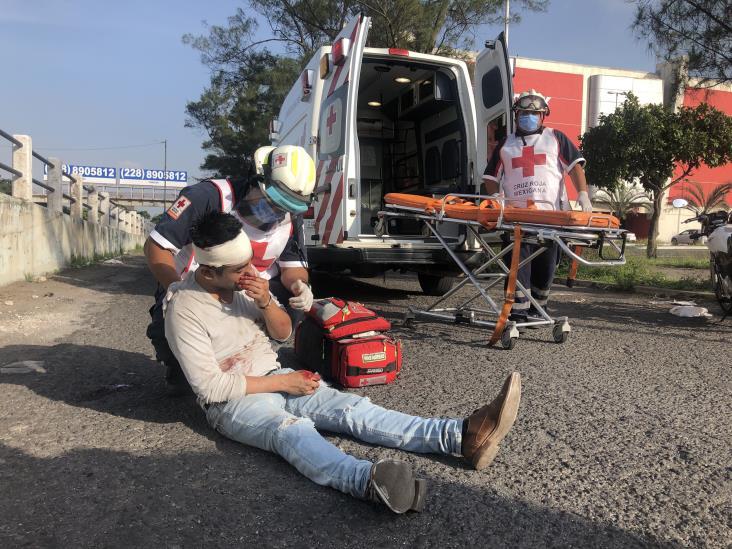 Atienden a supuesto hombre que se había caído en puente de la avenida Cuauhtémoc