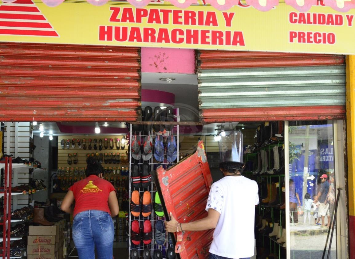 Operativo en el Centro de Coatzacoalcos para cerrar negocios no esenciales