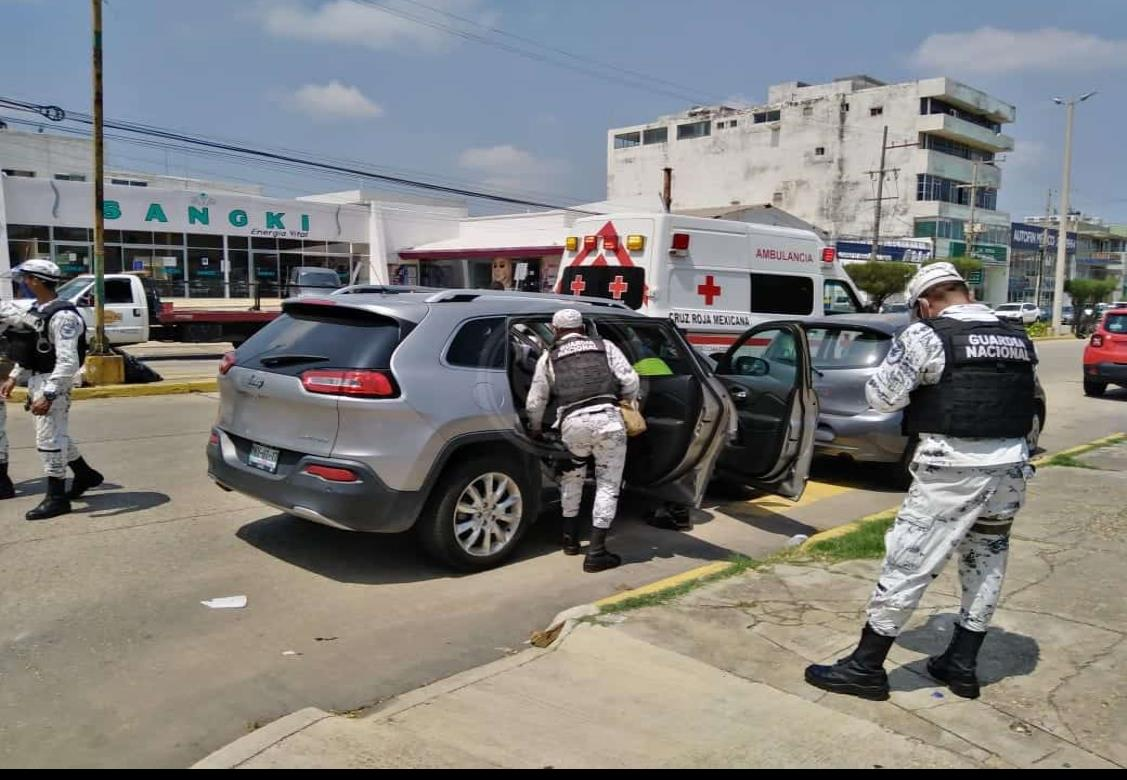 Por descompensación, mujer sufre accidente de auto en Coatzacoalcos