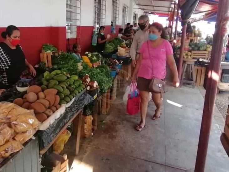 Reactivan labores mercados municipales en Coatzacoalcos